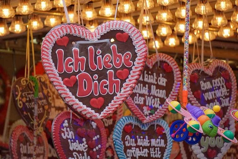 "Giving them a gingerbread heart saying ""I love you"" is one way how to say I love you in German to a man or woman"