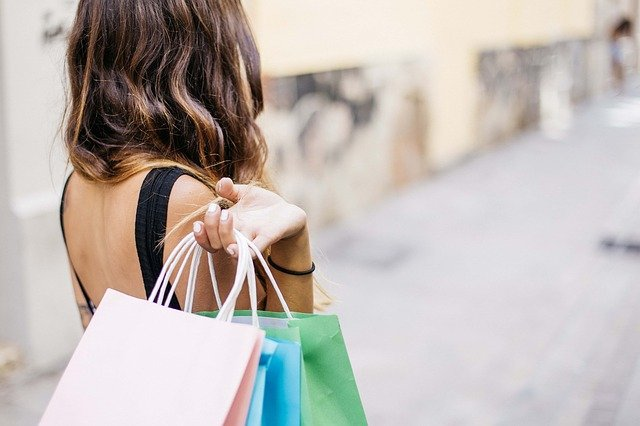 one of the most common italian verbs: shopping