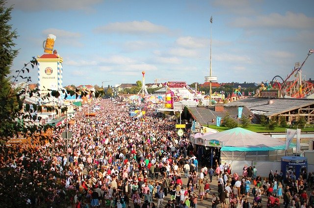 Entschuldigung is the right word to say excuse me in German. Especially when pushing through the crowds at the Oktoberfest.